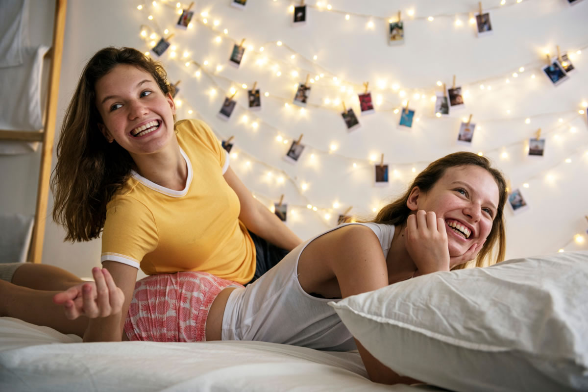 Five Ways to Cultivate a Healthy Relationship with Your Roommate